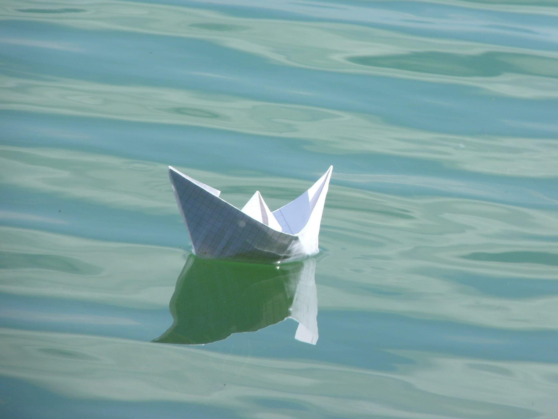 papierschiff-389016_1920